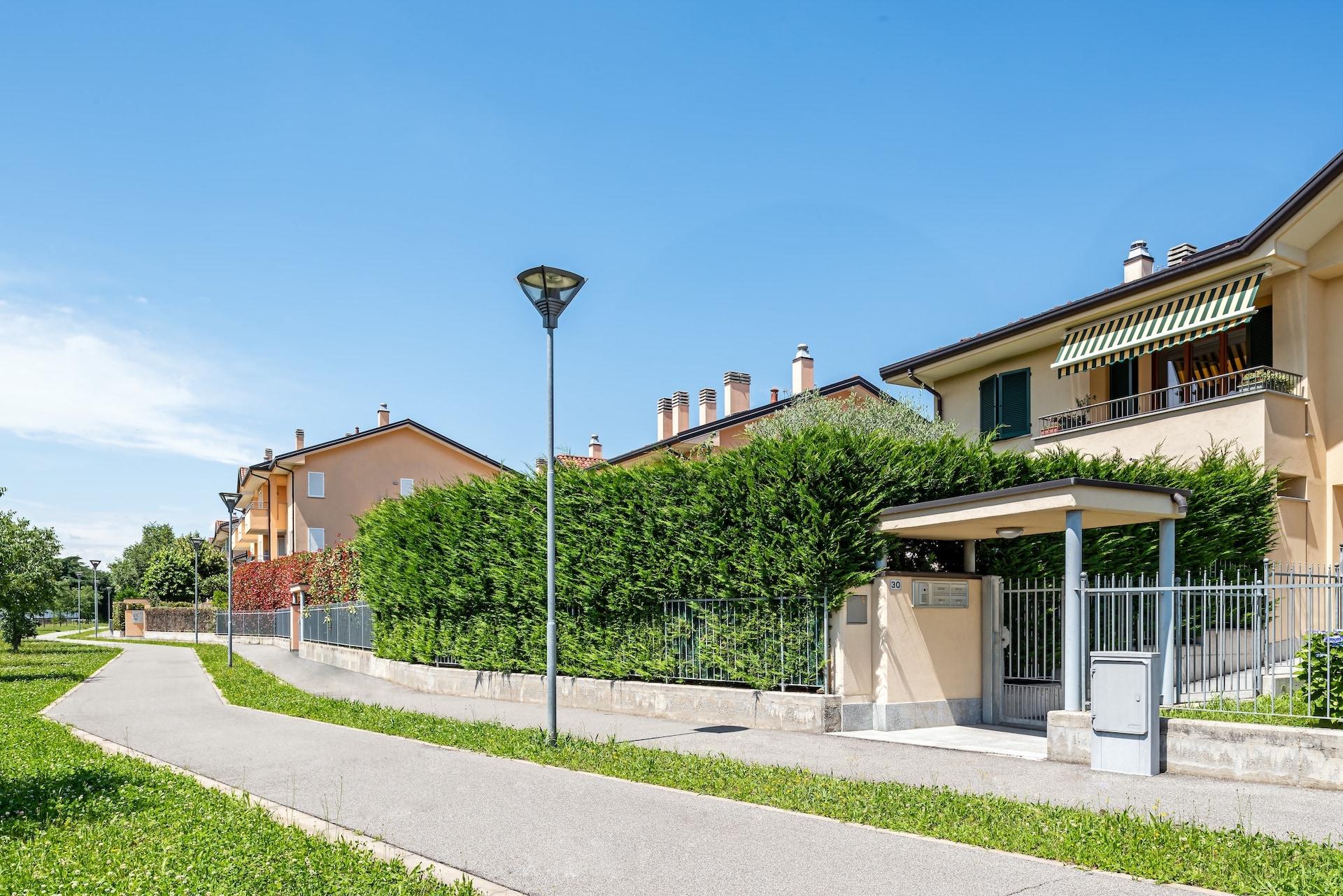 Condominio Il Melograno – Condominio Ai Boschi, via Tricino 89-89a-b-c e via dei Boschi 28-30-Nerviano (4)